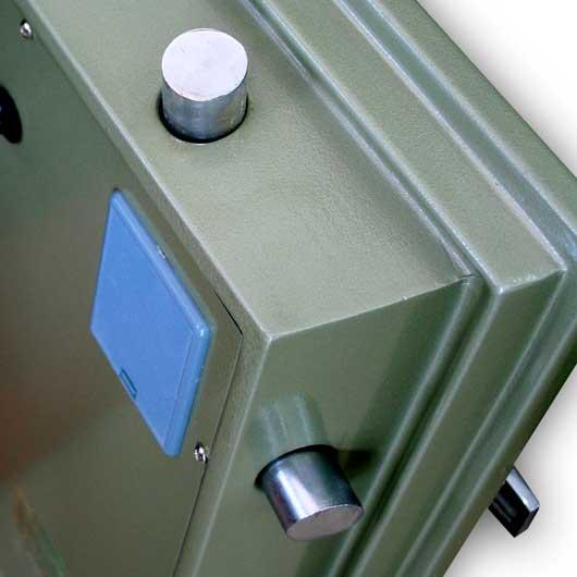 chốt khóa của chiếc két sắt chất lượng